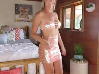 Uncompromisingly sexy youtibe reputation i shiny skirts and dresses in the air make you CUM!!
