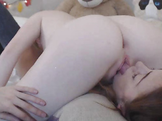 Lesbian Babes Eats Every Other Slit Down 69 Position