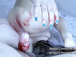 Jovencita cachonda recibe una llenada de leche anal sangriento - Maky Aline